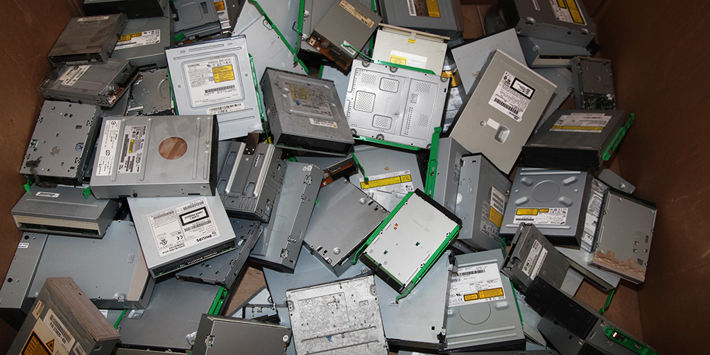 Computer and Motherboard Scrap Prices in Baltimore MD Disk Drive Prices in Baltimore MD E-Scrap Prices in Baltimore MD Owl Metals Inc 410-282-0068 Dundalk MD Essex MD Towson MD Timonium MD Columbia MD Glen Burnie MD